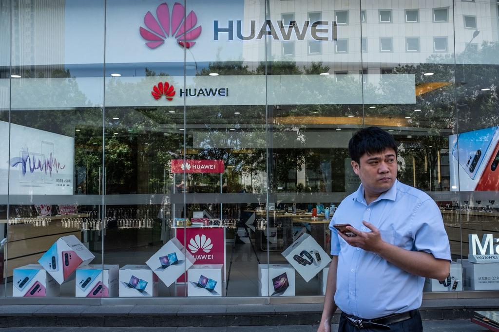 Ngành bán dẫn non nớt của Trung Quốc không thể cứu Huawei trước gọng kìm Mỹ