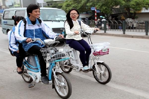 Dự thảo luật mới đề xuất đi xe đạp điện, xe máy phải có giấy phép lái xe