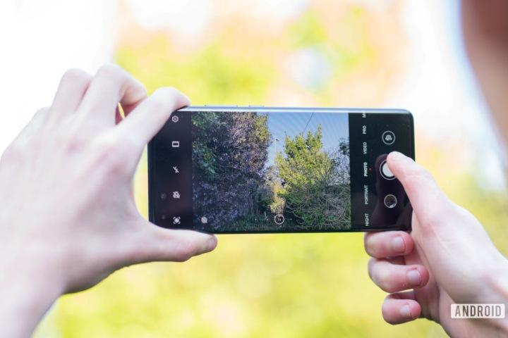 Trước khi iPhone và Android xuất hiện, công nghệ camera di động từng có thời huy hoàng