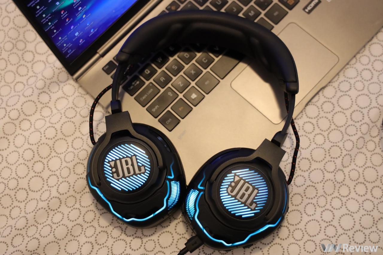 """Đánh giá JBL Quantum One: tai nghe """"trùm cuối"""" cho các gamer đua top"""