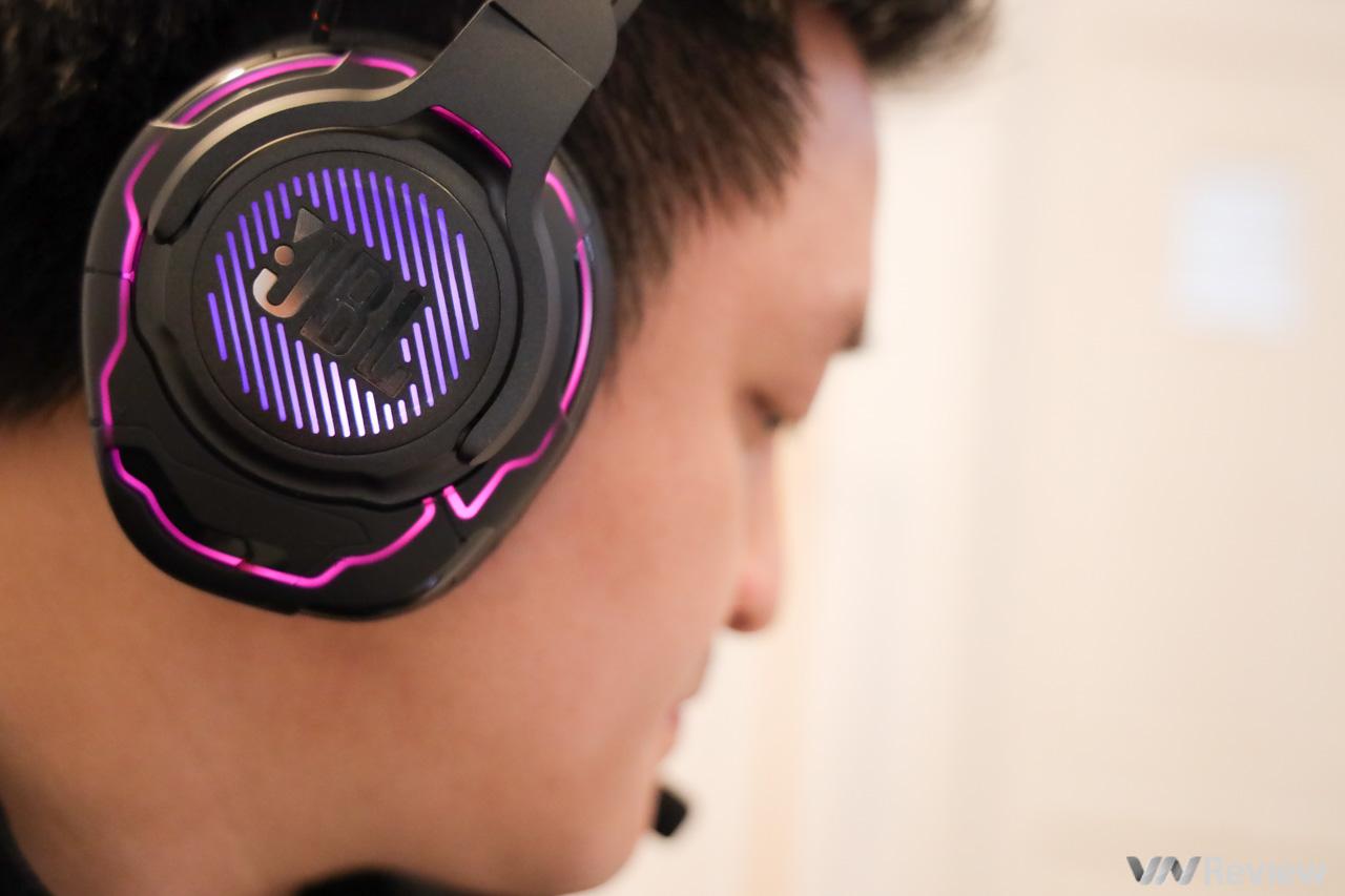 Đánh giá JBL Quantum One: tai nghe