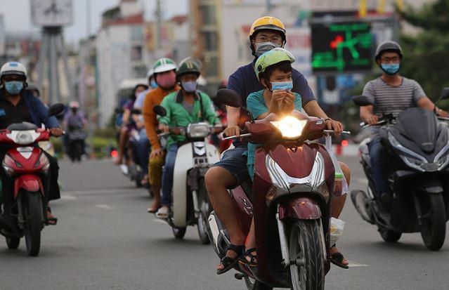 Bỏ quy định bật đèn xe máy ban ngày