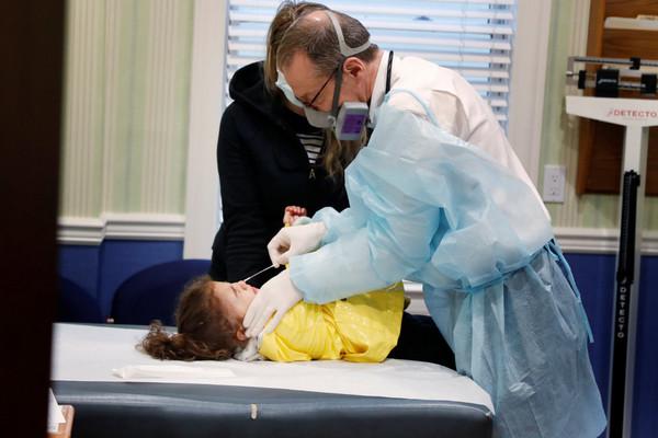Phát hiện tổn thương não ở trẻ mắc hội chứng bí ẩn liên quan đến Covid-19