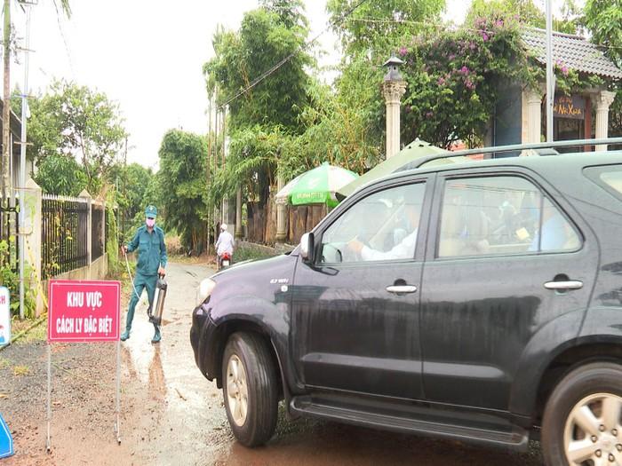 Lập chốt phòng chống dịch bạch hầu ở Bu N'doh, xã Đắk Wer