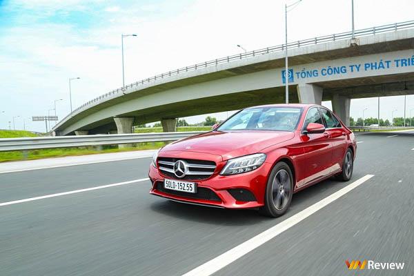 """Trải nghiệm Mercedes-Benz C 180: Xe """"mẹc"""" rẻ nhất hiện nay"""