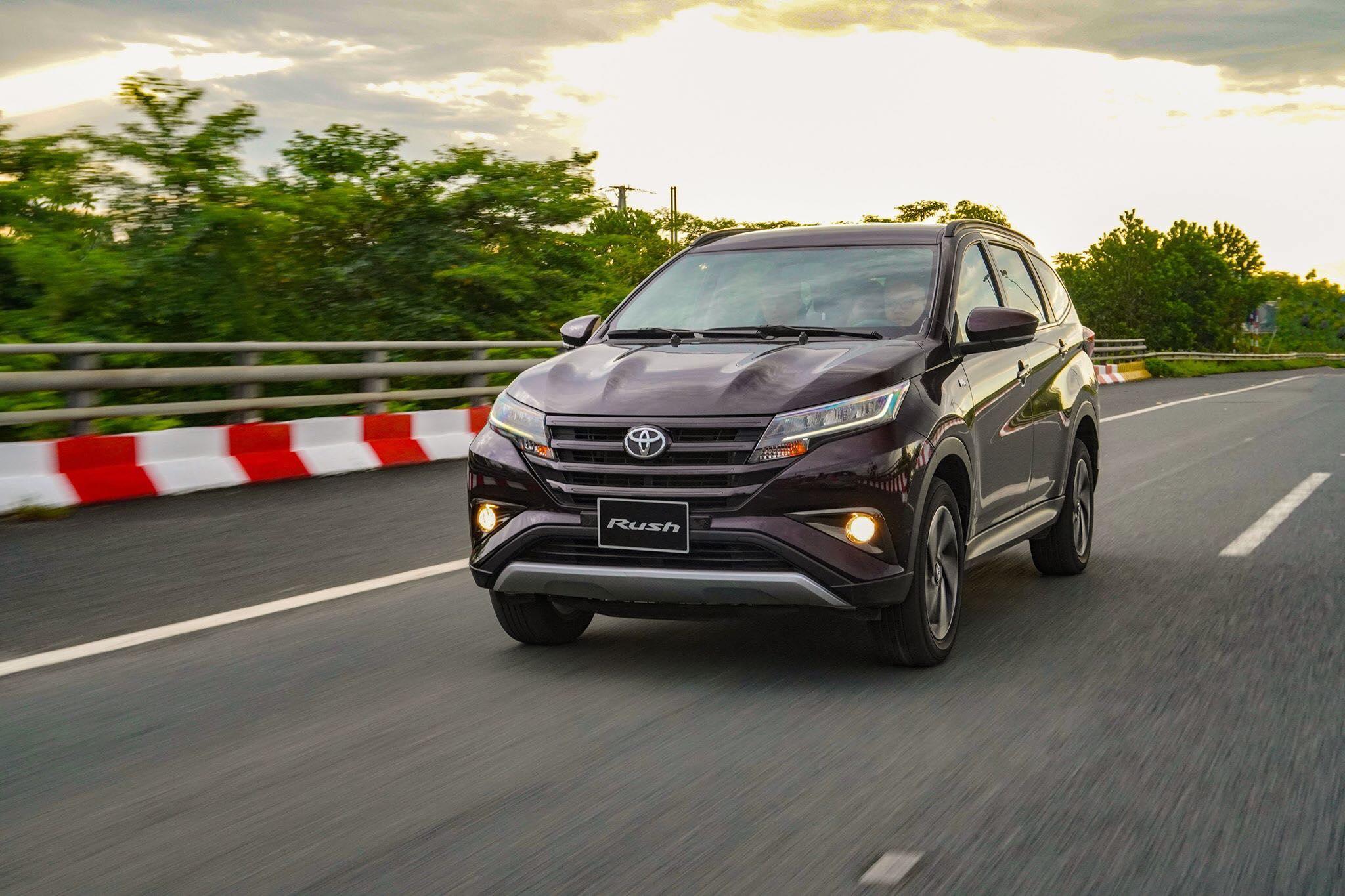 Mitsubishi Xpander, Suzuki XL7 và Toyota Rush: Với 700 triệu lựa chọn xe gì?