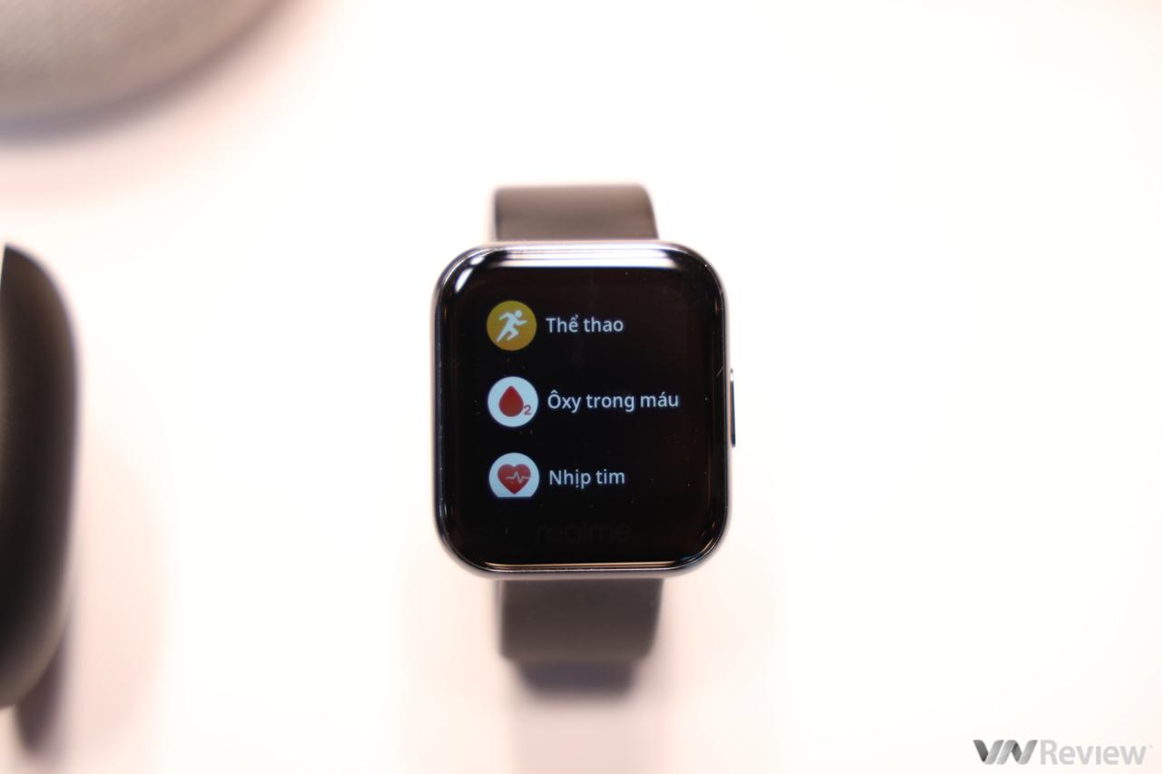 Realme lần đầu bán đồng hồ và tai nghe true wireless tại Việt Nam, giá từ 1,3 triệu, sẽ mang cả TV và loa về trong vài tháng tới