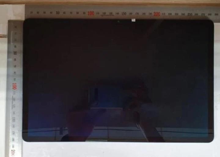 Galaxy Tab S7+ lần đầu tiên lộ diện ảnh thực tế