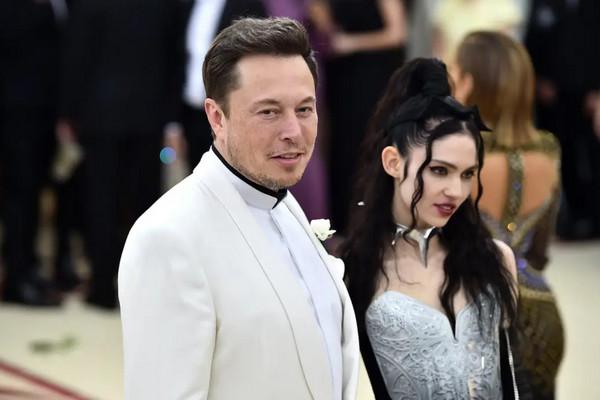 Bloomberg: Elon Musk được trả lương hậu hĩnh nhất, Tim Cook xếp thứ hai trong năm 2019