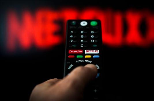 Bộ TT&TT yêu cầu các cơ quan báo chí lưu ý trong việc truyền thông, quảng bá các dịch vụ phát thanh, truyền hình xuyên biên giới