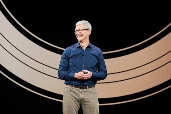 Hợp đồng Apple và CEO Tim Cook sẽ hết hạn vào năm tới