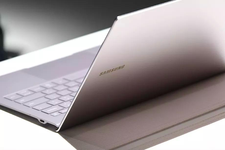 Samsung tung ra Galaxy Book S: chiếc laptop đầu tiên sử dụng bộ xử lý Hybrid mới của Intel