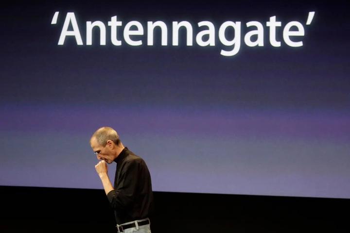 Sự cố ăng-ten trên iPhone 4 đã trở thành scandal lớn nhất mọi thời đại của Apple như thế nào