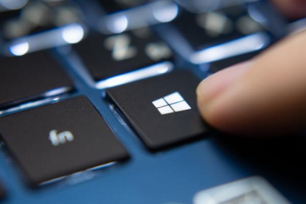 Hướng dẫn chuyển từ Windows 10 May 2020 Update về phiên bản cũ