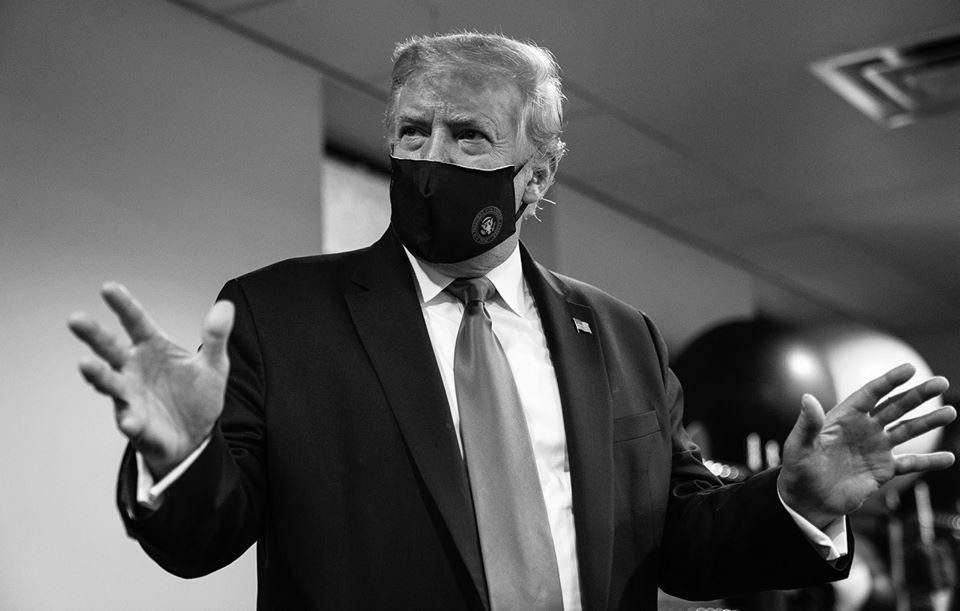 Tổng thống Trump nói đeo khẩu trang là yêu nước sau nhiều tháng không đeo