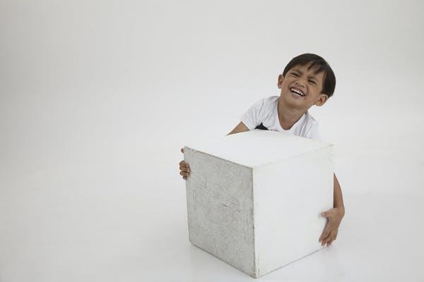 Trọng lực yếu hơn giúp nâng các vật nặng dễ dàng hơn (Ảnh: anythings/Shutterstock)