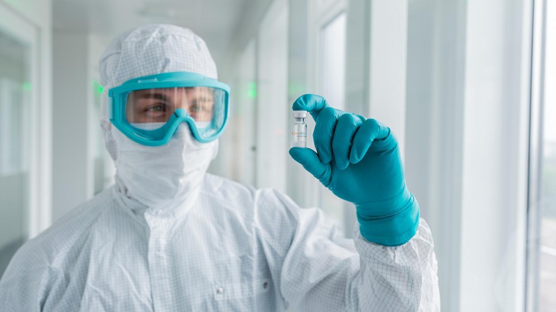 Những người kiếm tiền thần tốc vì cơn sốt vaccine Covid-19