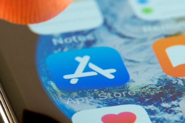 """CEO Epic Games chỉ trích Apple """"độc quyền tuyệt đối"""" với App Store"""