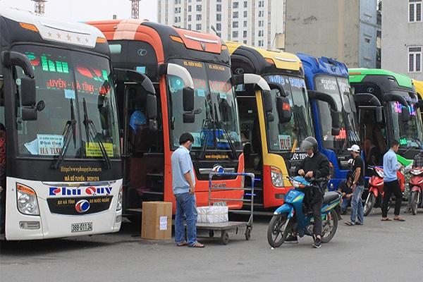 Hà Nội tìm khách đi chung xe với 'bệnh nhân 620'
