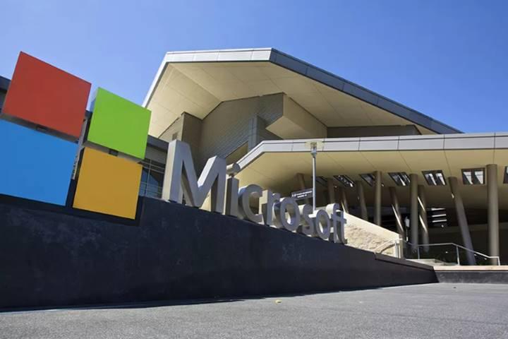 """Microsoft tuyên bố """"không rác thải"""" vào năm 2030"""