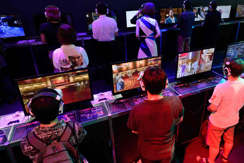 Giữa đại dịch, lãi ròng Sony tăng 53% nhờ video game, smartphone lãi gấp 11 lần năm ngoái