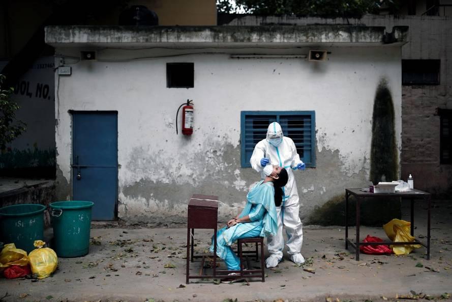 Thảm cảnh Covid-19 ở Ấn Độ: Số người nhiễm vượt mốc 2 triệu, dịch còn lâu mới đạt đến đỉnh
