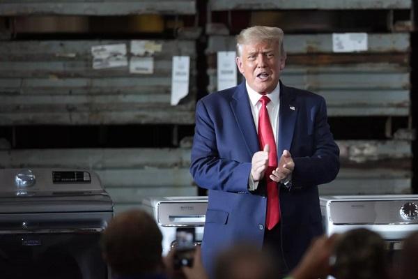 Tổng thống Mỹ cấm tất cả giao dịch mua bán trên TikTok và WeChat sau 45 ngày tới