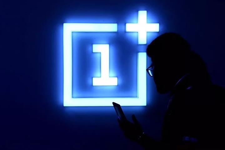 OnePlus bị chỉ trích vì không cho người dùng gỡ bỏ các dịch vụ Facebook cài sẵn