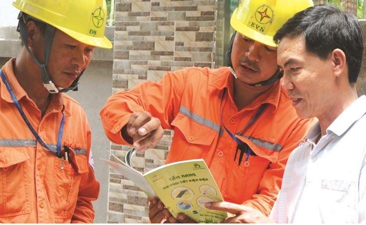 Giá điện sinh hoạt một bậc được đề xuất 2.703 - 2.890 kWh