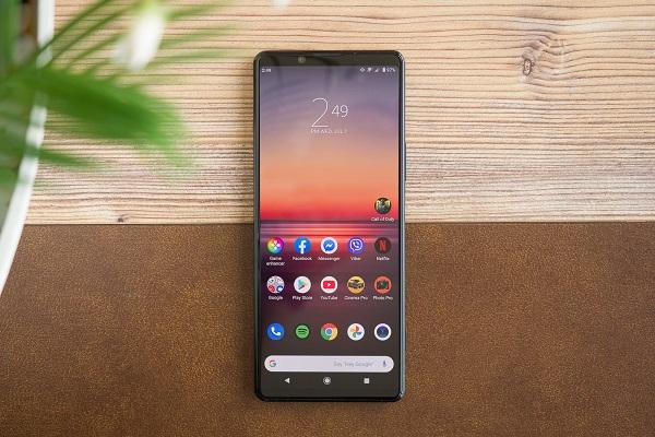 Lần đầu tiên sau 4 năm thua lỗ, mảng kinh doanh smartphone của Sony bắt đầu khởi sắc