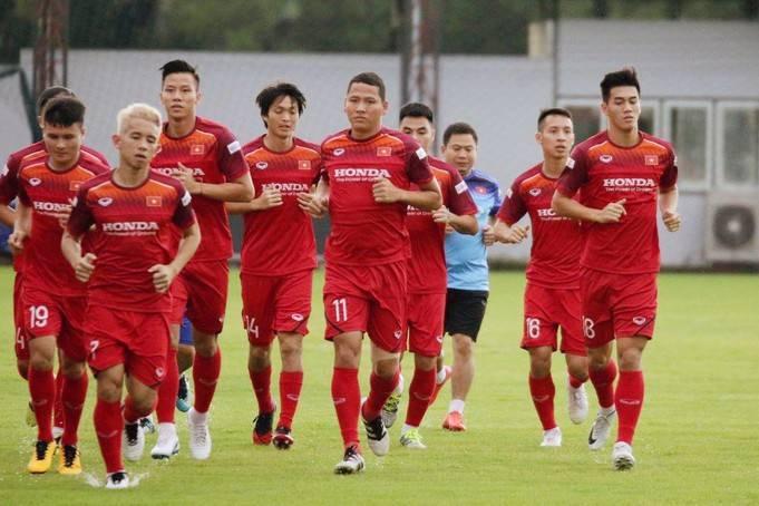 Danh sách ĐTQG chuẩn bị cho vòng loại World Cup 2022: Thiếu Văn Lâm, có Anh Đức và Đoàn Văn Hậu