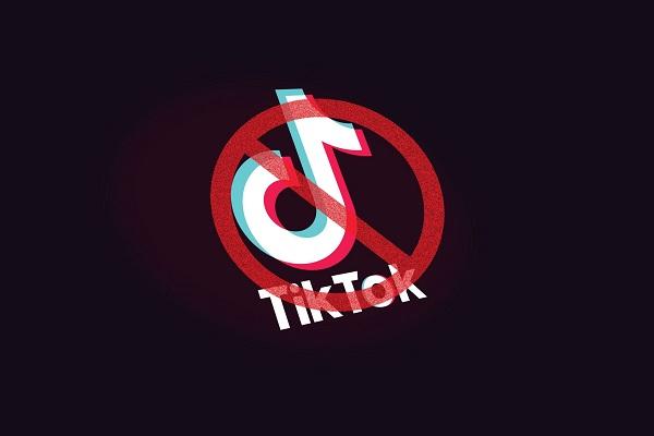 Tổng thống Trump tính cấm TikTok trên kho ứng dụng App Store và Play Store