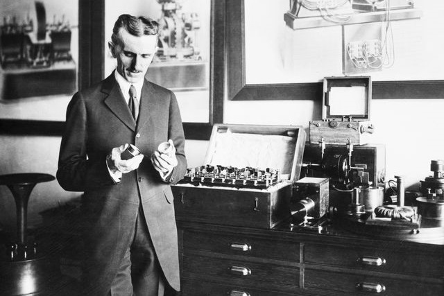 Vì sao Nikola Tesla là một nhà khoa học bá đạo?