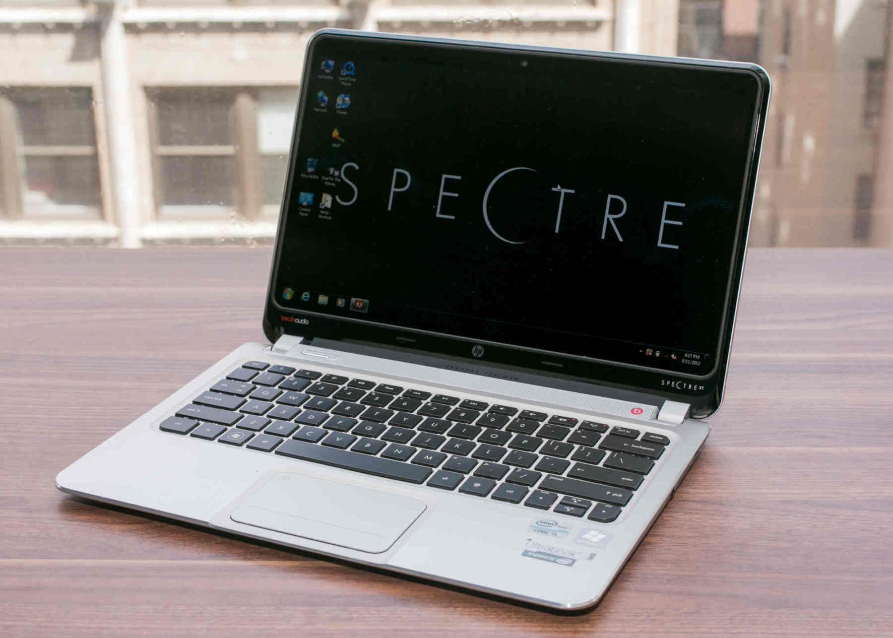 Lenovo và HP chiếm nửa số laptop bán ra trong quý 2/2020