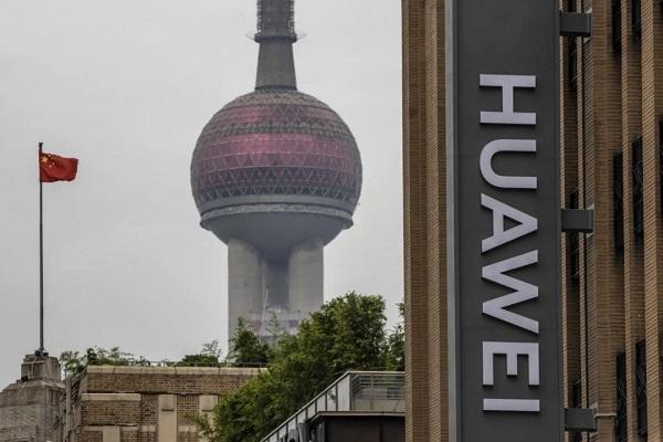 """Huawei khó lòng """"trở mình"""" trước lệnh hạn chế mới của Mỹ"""
