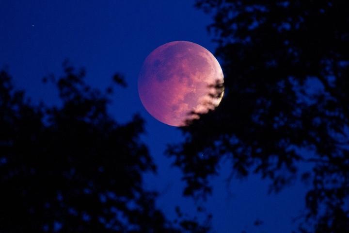 Bí quyết chụp ảnh Mặt trăng ảo diệu, ấn tượng