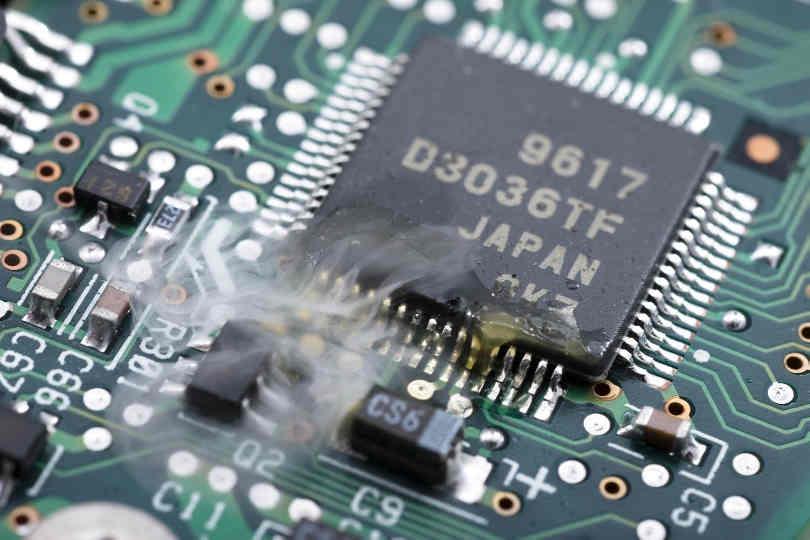 """Huawei thừa nhận linh kiện Nhật Bản """"cực kỳ quan trọng"""" vào thời khắc sống còn"""