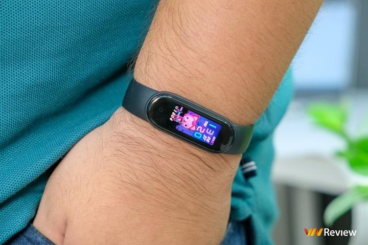 """Đánh giá Xiaomi Mi Smart Band 5: Nâng cấp cả """"smart"""", lẫn """"band"""" và giá"""
