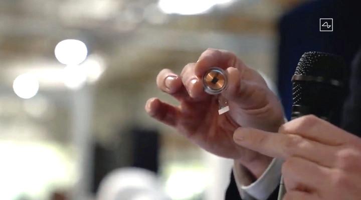 Elon Musk mô phỏng công nghệ cấy chip não bộ trên loài lợn, kết quả rất ấn tượng