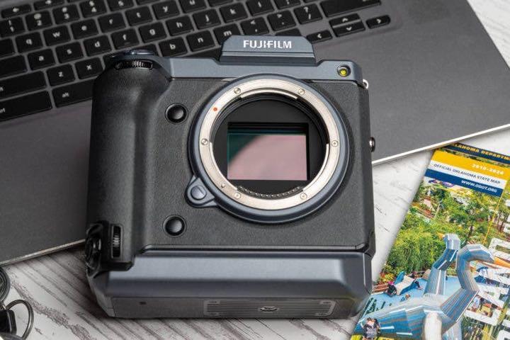 Nước muối là kẻ thù của đồ điện tử, cứ nhìn xác chiếc camera 10.000 USD này là rõ
