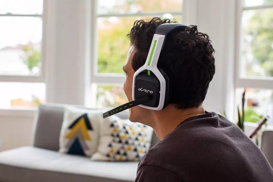 Dù PS5 & Xbox Series X chưa bán ra, Logitech đã tung ra Astro A20 Gen 2, hỗ trợ cho 2 hệ console mới