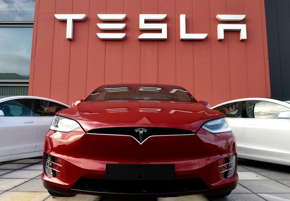 Tesla đang