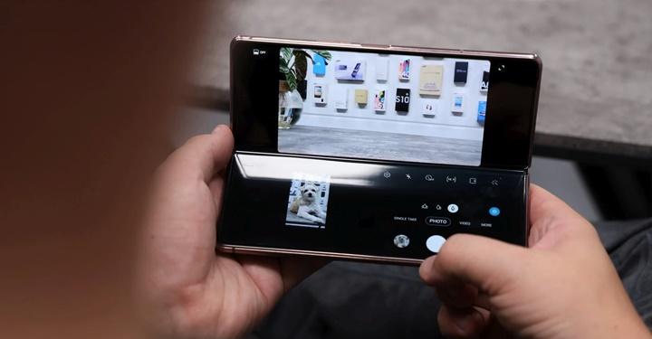 Galaxy Fold vs Galaxy Z Fold 2: Có nên nâng cấp?