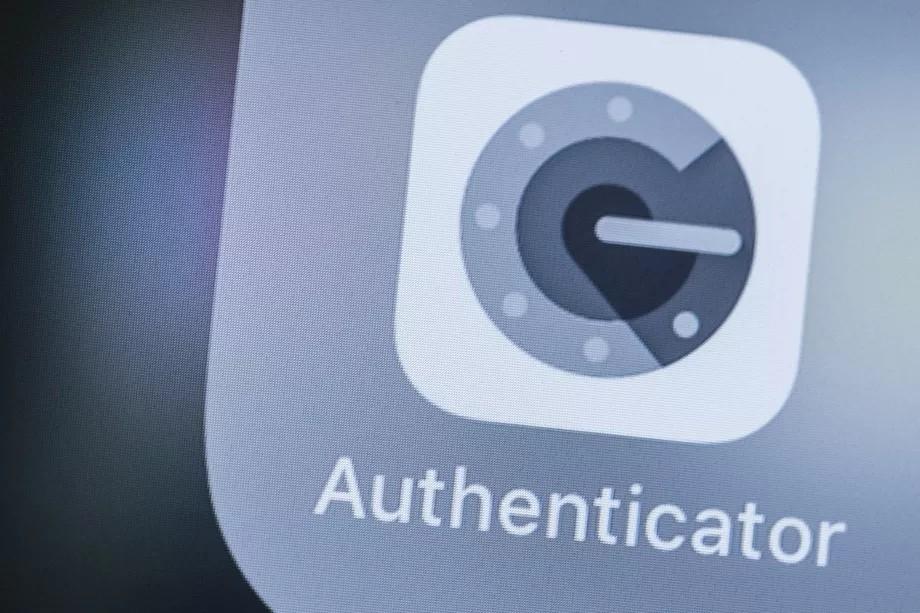 Làm thế nào để chuyển mã xác thực hai yếu tố Google Authenticator sang điện thoại mới?