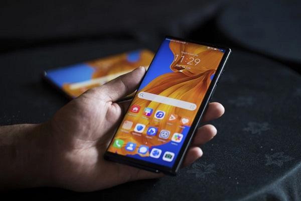 Giá điện thoại Huawei tăng từ 15 USD-300 USD vì lệnh cấm của Mỹ