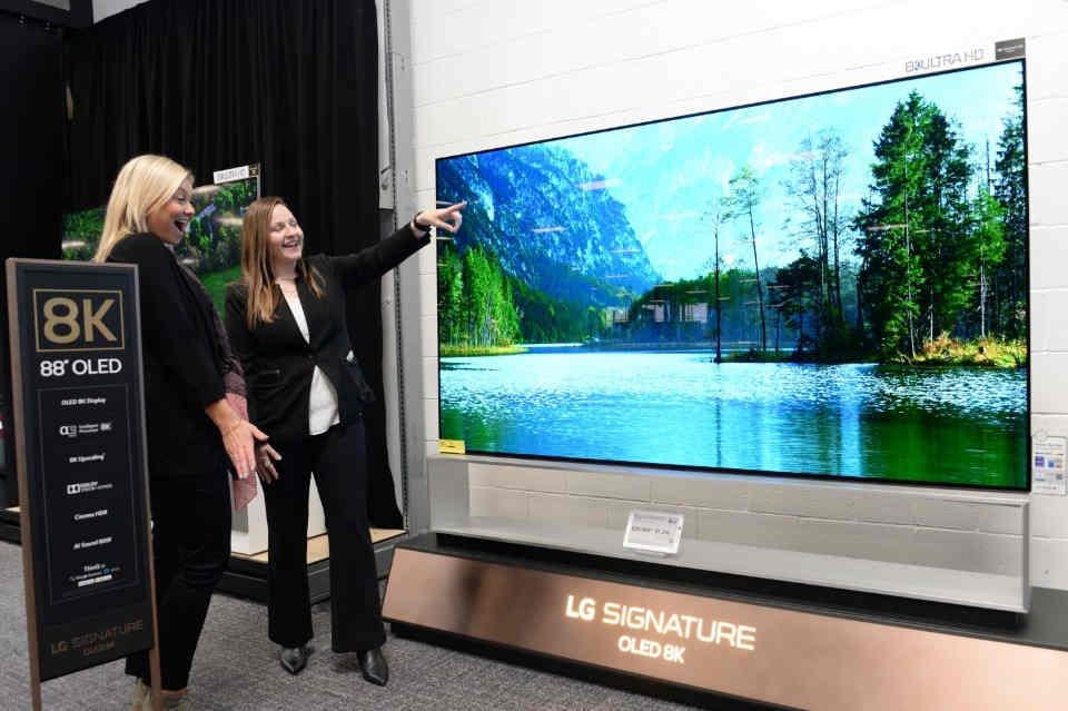 Hãng Trung Quốc TCL vượt mặt LG trên thị trường TV
