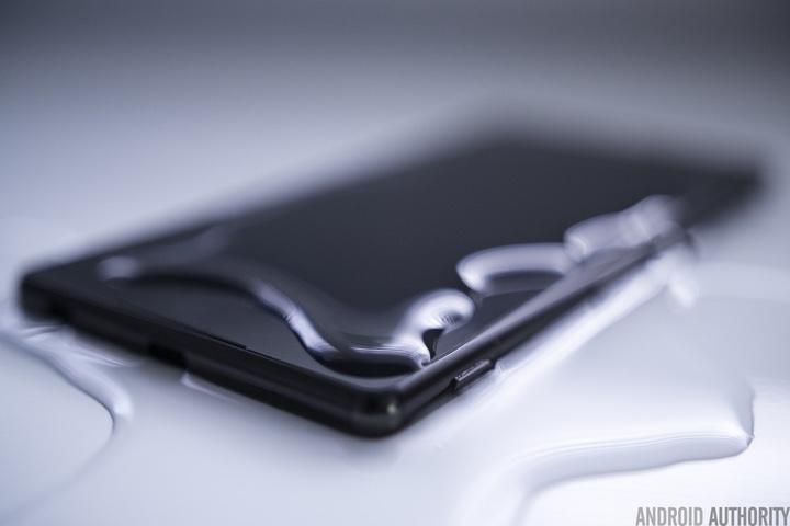Bạn có biết: đây là chiếc điện thoại Android đầu tiên có khả năng kháng nước