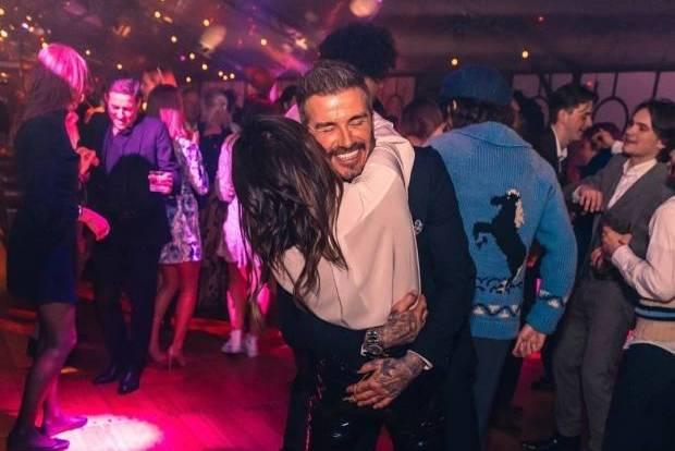 Vợ chồng David Beckham nhiễm Covid-19 từ tháng 3?