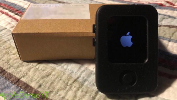 Rò rỉ nguyên mẫu đầu của Apple Watch trông như iPod Nano thu nhỏ