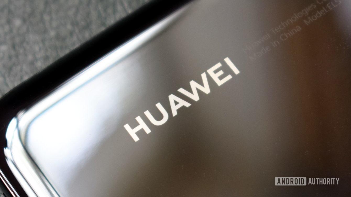 Vừa hết nguồn cung cấp chip, Huawei lại gặp hạn: đến lượt Samsung và LG ngừng bán màn hình